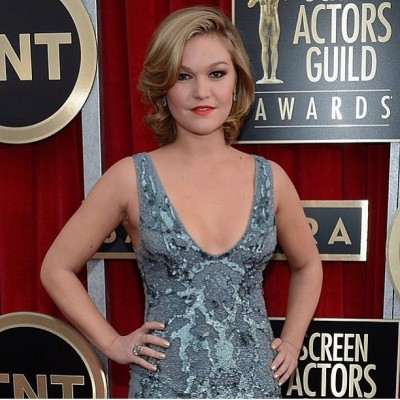 "#JuliaStiles looks so fabulous wearing 'Platinum Pearl"" #naturalnails by @karengnails to 2013 #SagAwards @nailinghollywood"