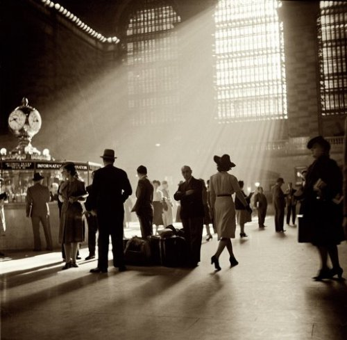 lostsplendor:  Grand Central Station, 1941 (via)