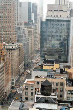 ambiants:  fifth avenue by seaburial on Flickr.
