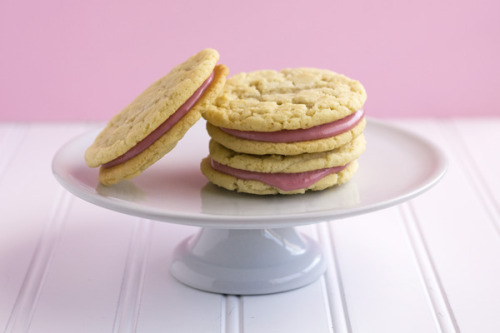 raspberry sandwich cookies click here for recipe