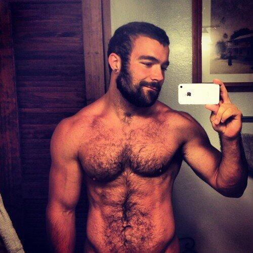 Scruffy hottie, just right…..woof