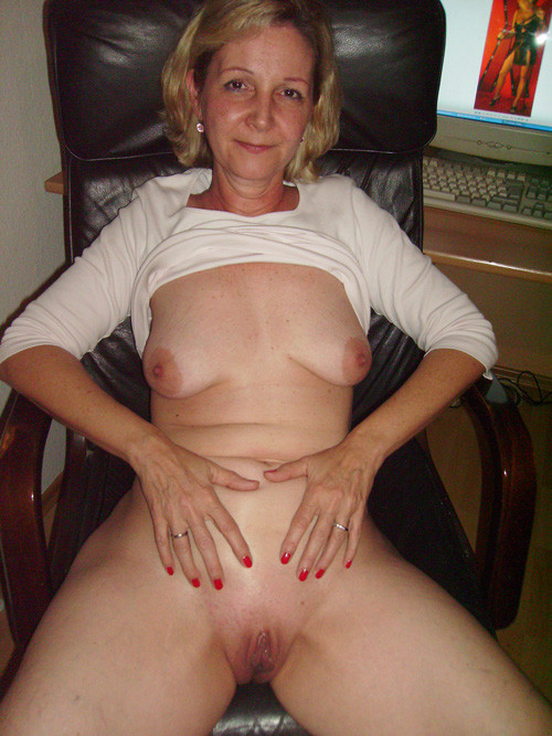 Old lady with small tits long sex pictures