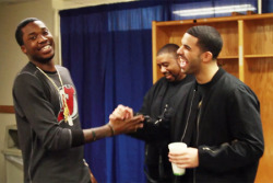 drake-vs-meek-mill-drake-is-back-on-the-mic