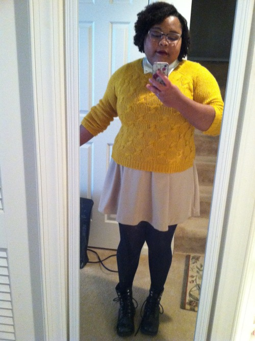 chubby-bunnies:  My name is J'Nai, I'm a size 18 US, and I just discovered this blog but I am nevertheless impressed! It's easily one of my new faves, keep on being amazing, everyone! Submitted by mydigitalromance.  Why can't my work outfits look this good?!?!