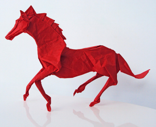 Horse by Satoshi Kamiya, folded by me by Shikigami no Mai on Flickr.