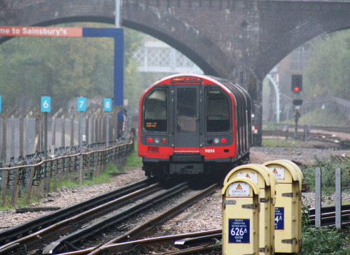 central line tube by cockneycowboy on Flickr.