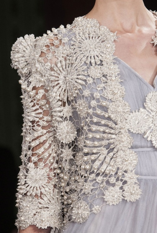 notordinaryfashion:  monsieur-j:  Oscar Carvallo Couture S/S 2013 Runway Details  Amazing detail