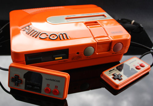 it8bit:  Custom Painted Twin Famicom Created by Zoki64