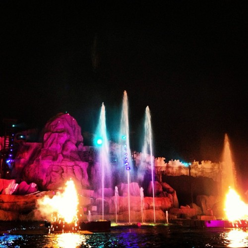 Fantasmic! #disney #orlando #florida #milanamay #staytrufflin #trufflin  (at Fantasmic!)