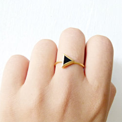 sooothe:  Triangle Ring with Black Onyx Stone by Etsy