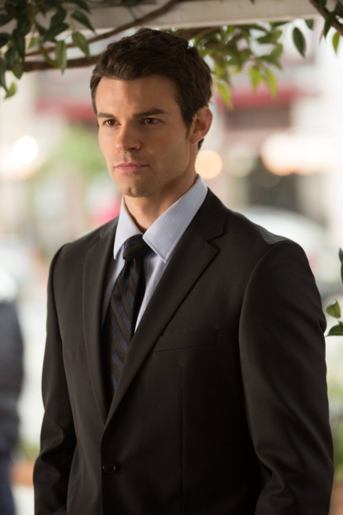 tvd-the-vampire-diaries-blog:  Elijah is back in tonights episode! Bet you can't wait in the US