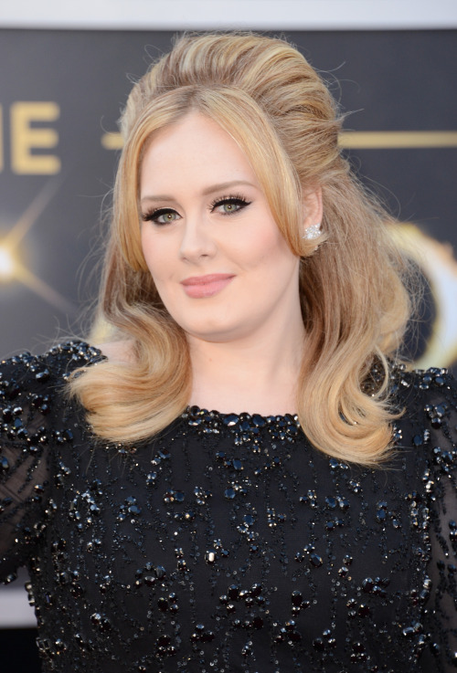 MARRY ME ADELE YOU BEAUTIFUL HUNK.