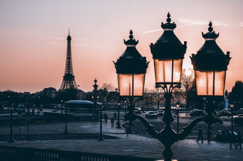 lheureuseimparfaite:  Smooth Paris Warming by claudecastor on Flickr.