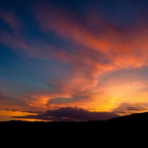 Mmmmmorning - er Yaaaawn — #sunrise #granbyawesomeness