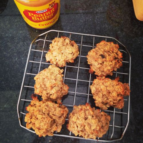 Peanut Butter Oatmeal Cookies! Delicious!  Ingredients: 2 large ripe Bananas Oats (Amount varies) Peanut Butter (Amount varies)  Just add enough oats and peanut butter to made a consistency that isn't too runny or  too dry and bake for 15-20 minutes in 180 degrees!  You can add nuts or dark chocolate chips! The possibilities are endless!!  Enjoy!