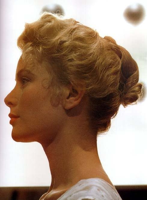 theniftyfifties:  Grace Kelly in profile.