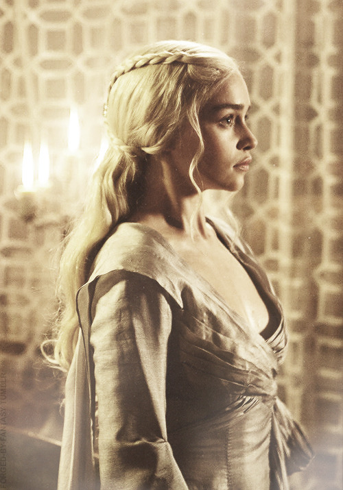 "forged-by-fantasy:   Daenerys Targaryen |  3x8 ""Second Sons"""