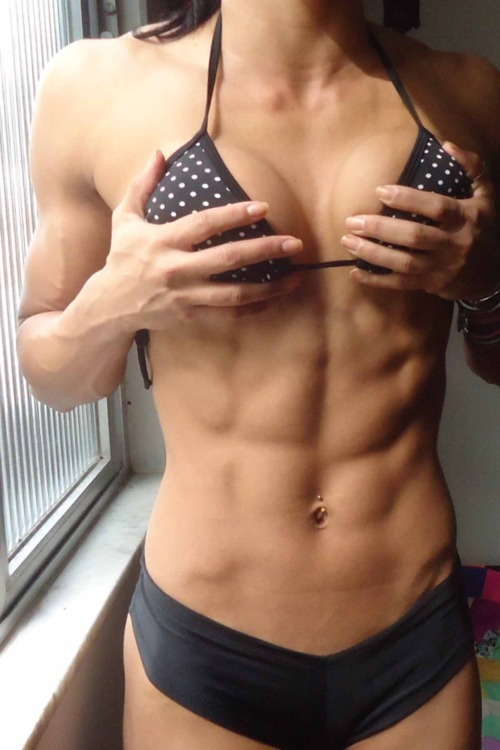 sexygymbabe:  Sexy Gym Babes showing their #hardbodies. They Eat Clean, but Train #Dirty! Updated Daily! http://SexyGymBabe.Tumblr.com