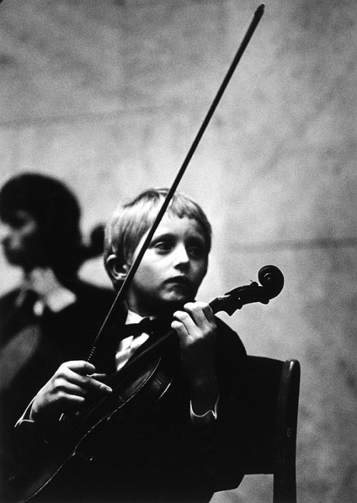 silfarione:  Boy with Violin, photo by Jan Ung. 1973