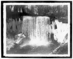 hclib:  Minnehaha Falls, April 8, 1917