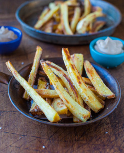 yummyinmytumbly:  Baked Parsnip Fries with Creamy Balsamic Reduction Dip