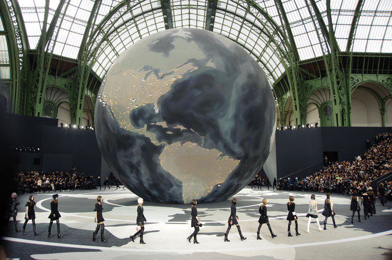 See the Best Looks from Chanel Fall 2013