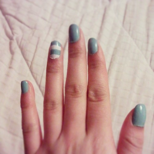 Blue springy nails!