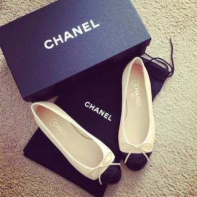 chanel | Tumblr on We Heart It - http://weheartit.com/entry/61647018/via/natalieegoh   Hearted from: http://aintaintnobodygottimeforthat.tumblr.com/post/50584439549/http-whrt-it-12e7zvw