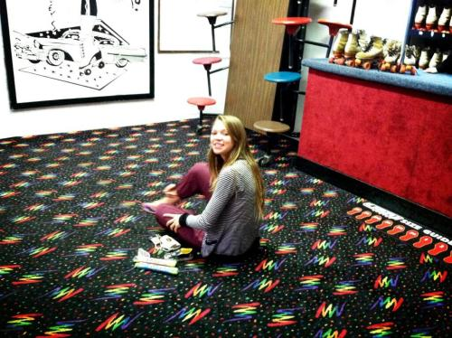 That carpet is calling to my inner 80s child and I wants it.