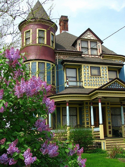 Victorian, Cleveland, Ohio photo via charm
