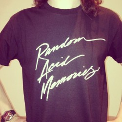 New shirt up in the webstore now!! http://acidjacks.sound-merch.com.au/