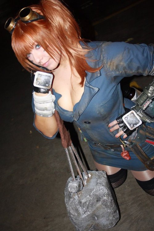 dorkly:  Fallout: New Vegas Charmer Cosplay Looking pretty good for someone with radiation poisoning.