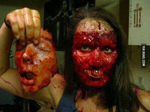 agayoflife:  Possibly the most horrific Halloween make up ever, holy shit!
