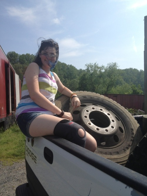 slashingatghosts:  hey sprocket, think this tire would fit?  I'm going to pee