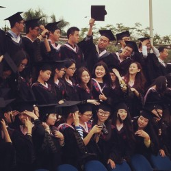 What a happy day for these students. (at 华侨大学华文学院的大门口)