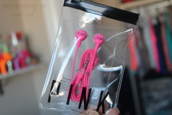 aka-perfection:  missnancy-xo:  Free earphones with any purchase at PINK hahaha (: went straight to the clearance and bought one underwear for $2.   genius
