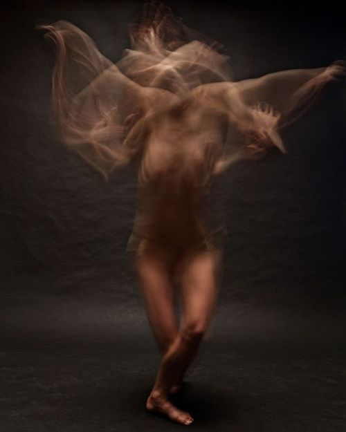 http://photovide.com/long-exposure-photographs-dancers-bill-wadman/  awesomeness :3