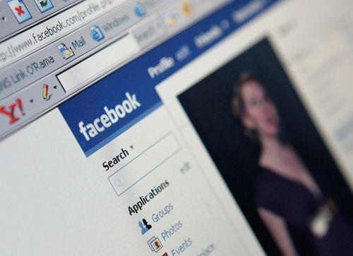 Being popular on Facebook will make you fat (Photo: Getty Images) Blame Mark Zuckerberg for your belly. While a new study in the Journal of Consumer Research finds that just 5 minutes on Facebook can temporarily improve your self-esteem when you focus on close friends, here's the bad news: Enhanced self-esteem actually reduces your self-control when you make decisions, like choosing a snack, after browsing. Read the complete story.