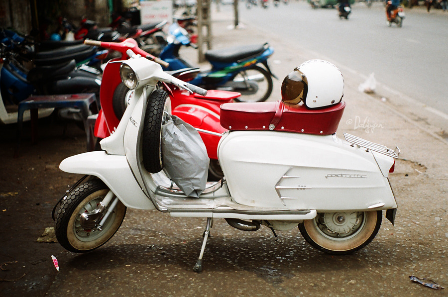 scooterculture:  ashleyjamesburnham:  So beautiful.  Sx200