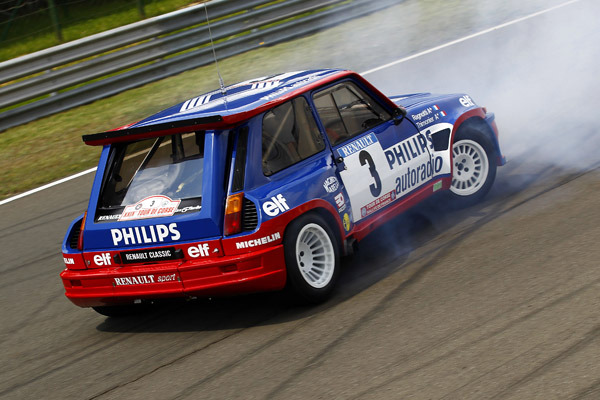motoriginal:  Jean Ragnotti reeking havoc in his Renault 5 Maxi Turbo.