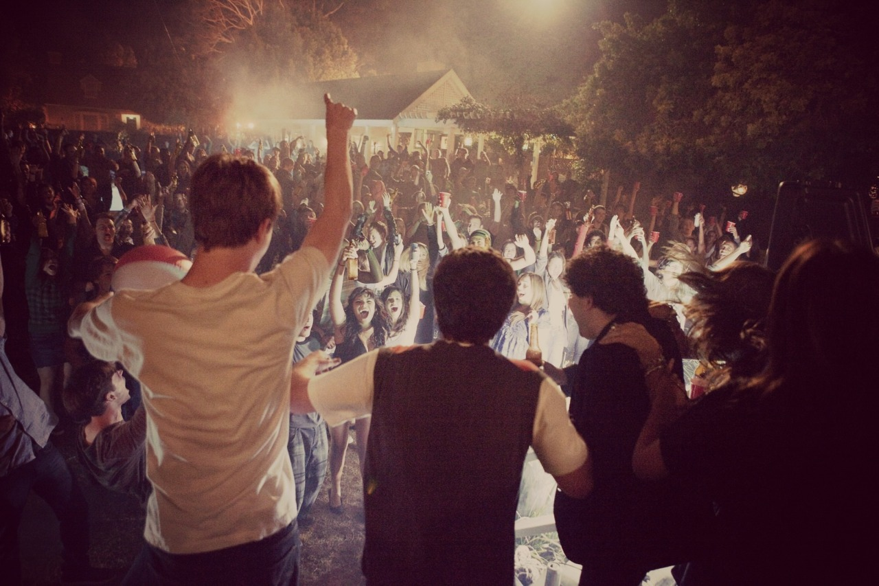 Project X (2012) ***1/2 Very entertaining. Seemed like a sick party but they had to burn the house down and trash the neighbourhood :( hahaha