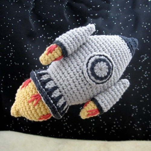 podkins:  Amigurumi Rocket avaliable from NeedleNoodles on Etsy.  Awesome right?