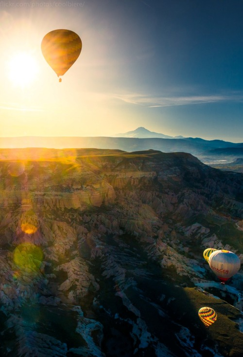 0rient-express:  rise of the balloons | by CoolBieRe ™.