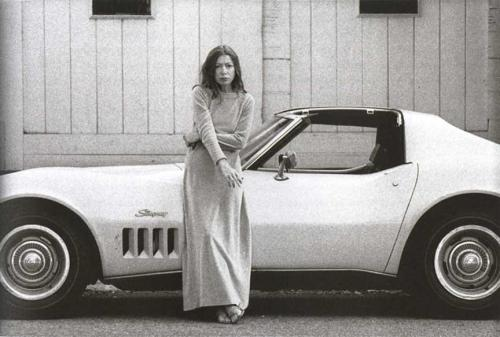 joan didion, hollywood 1970. photo by julian wasser. via the ny review of books blog