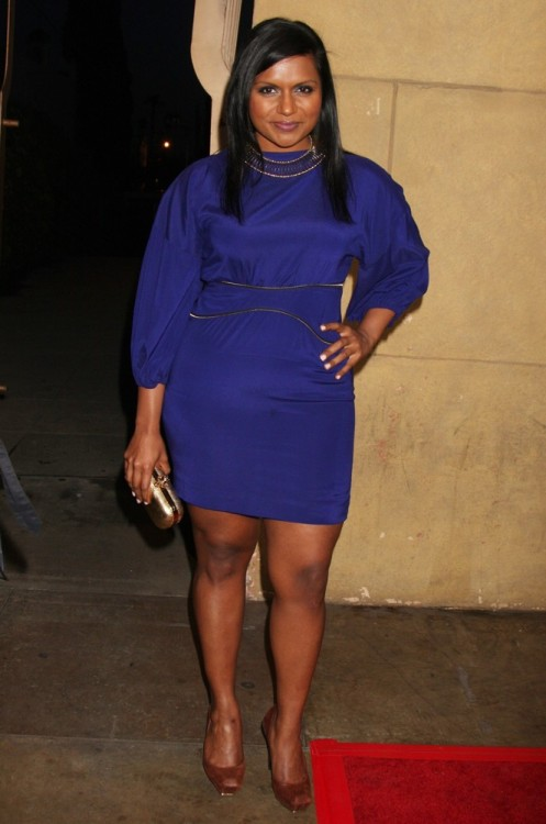 hotminiskirts:  Mindy Kaling looking supercute in a short blue dress.