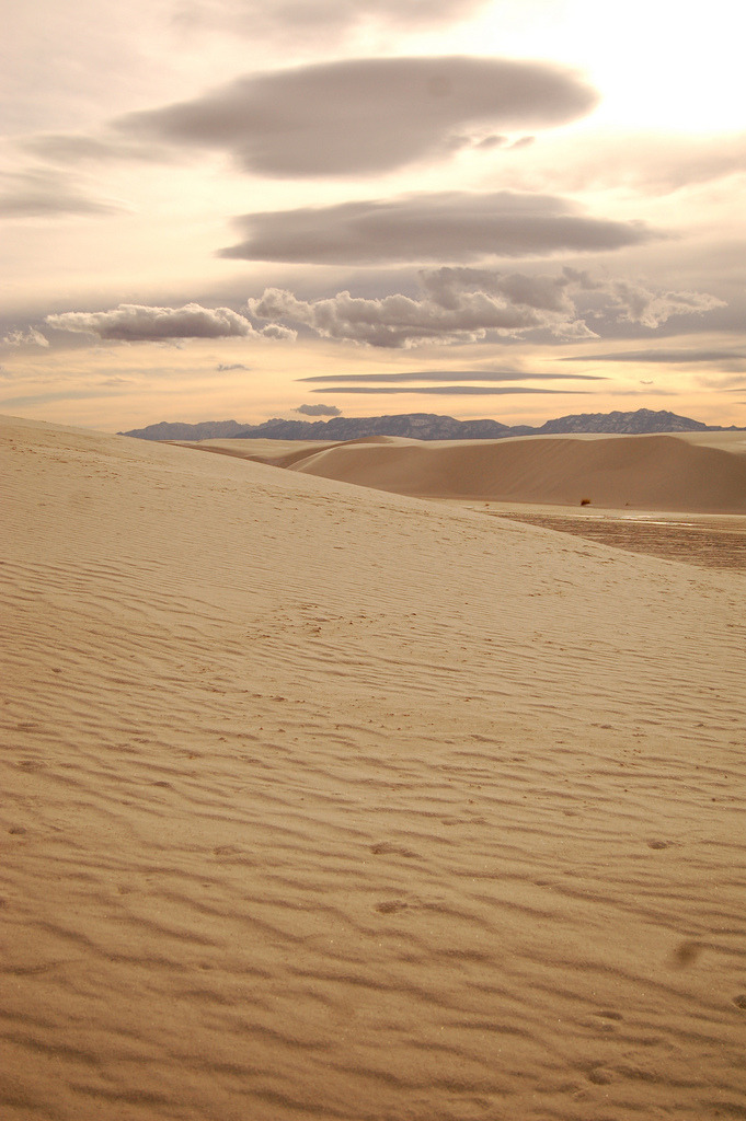 touchdisky:  White Sands, New Mexico | USA by victordriggs