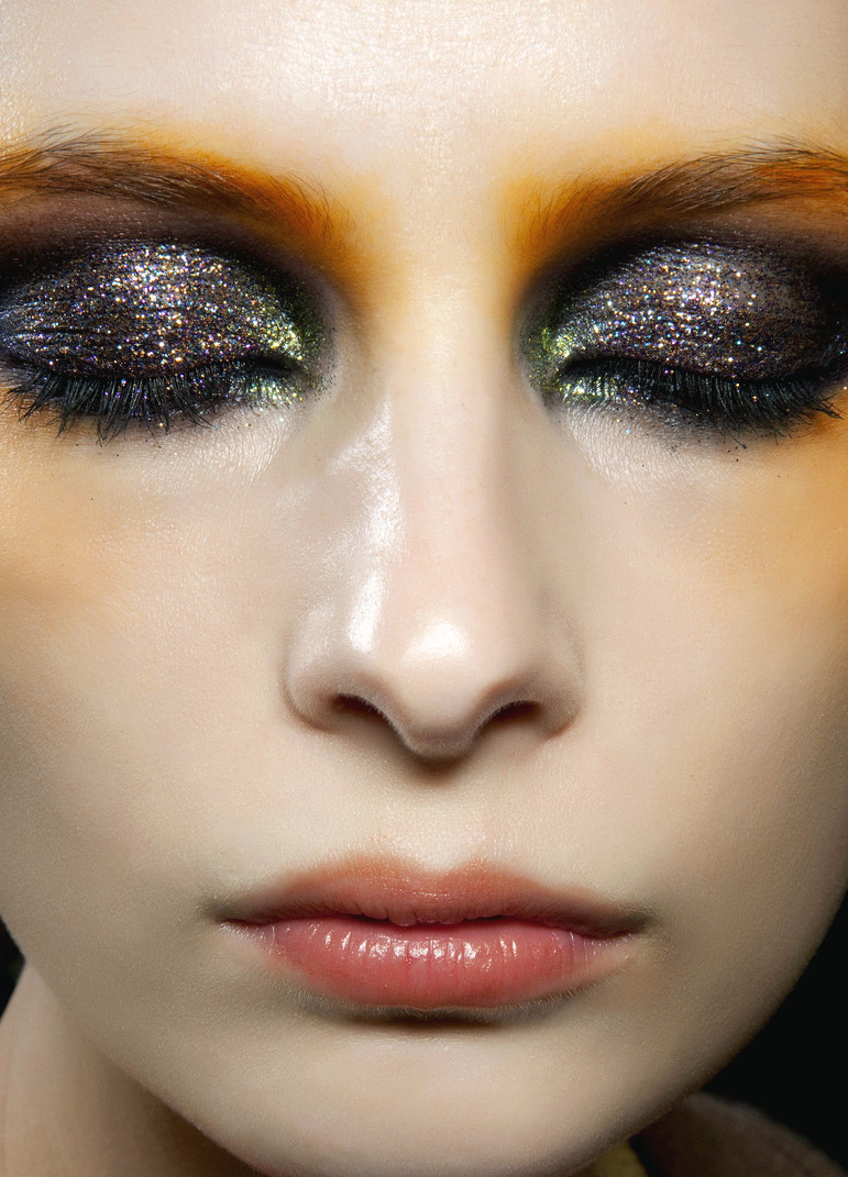 Suzie Bird backstage at Gaspard Yurkievich F/W 2010