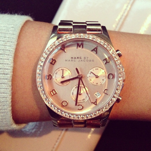 na-tur-al:  i follow back   Marc Jacobs watch