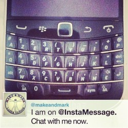 I'm on @InstaMessage! Chat with me now! #instamessage (à Make & Mark - Raspail)