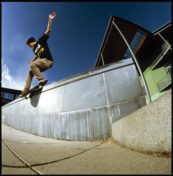 northskatemag:  Harry Lintell- Backside Smith